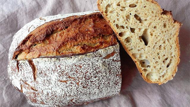 [임선영 작가의 오늘 뭐 먹지?]시큼한 감칠맛… 먹을수록 매력 빵빵 '사워도 빵'