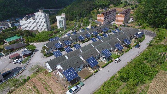 '블록체인' 에너지 시장 개방…'전기' 개인간 거래