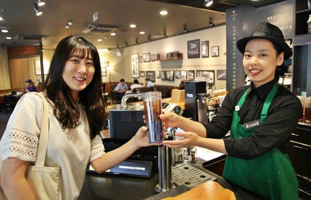 스타벅스, 올해에만 개인 컵 이용고객 300만 명 돌파
