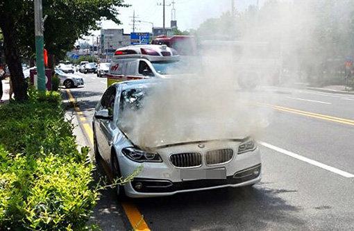 """BMW 화재 """"EGR 밸브가 원인?"""""""