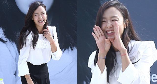 [BIFF] 전도연, 태양도 녹일 미소 '해운대 강림한 여신'
