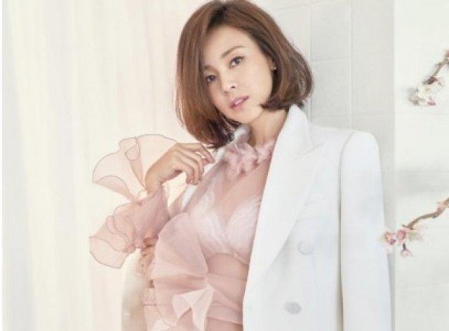 '사랑이 엄마' 야노시호, 충격 근황 '란제리 화보'
