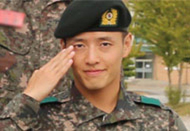"""강하늘, 훈련소 사진…""""야윈 얼굴에도 잘생김 추가"""""""