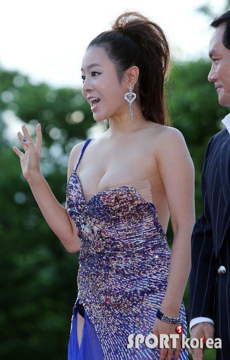 여민정 드레스에 대한 이미지 검색결과