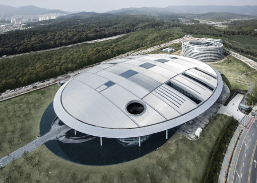 '한국타이어 테크노돔' 준공식…신기술 향해 본격시동