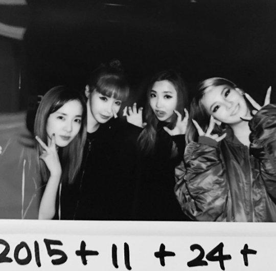 """""""그립다 그리워"""" 씨엘, 2NE1 완전체 사진 공개"""