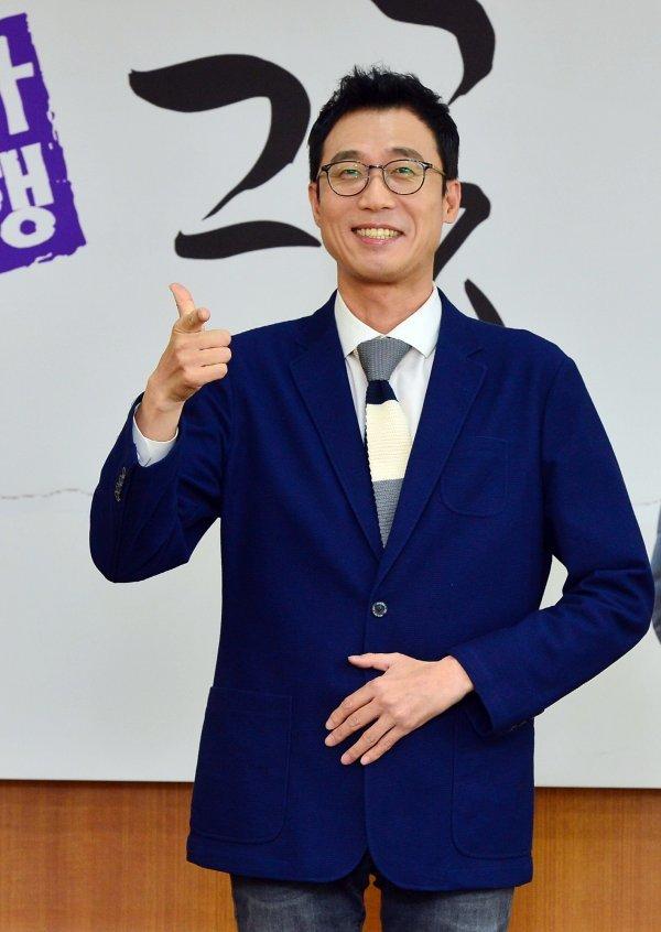 """'역사기행 그곳' 이윤석 """"최태성은 역사계의 강호동...계속 먹고 말해"""""""