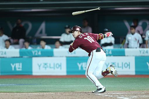 [베이스볼 피플] '주문 외우는 남자' 넥센 김웅빈의 쾌속성장