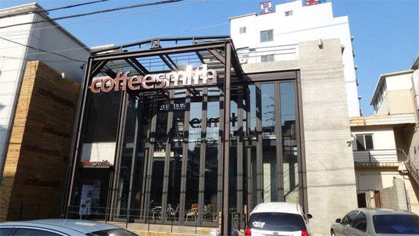 """커피스미스 측 """"돈이 목적 아닌 사과…법적조치"""" [공식입장 전문]"""