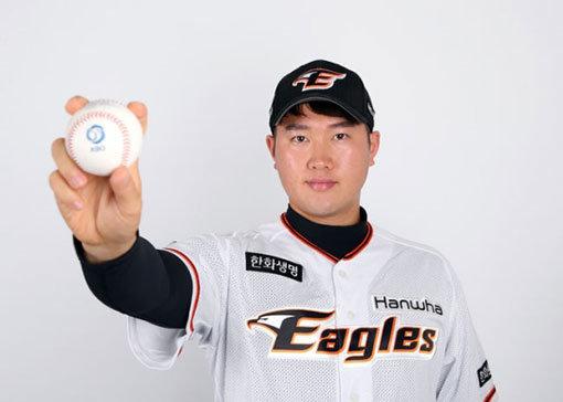 """[베이스볼 피플] """"ML? 후회나 미련 없다"""" 한화 김진영, '스토리'를 말하다"""