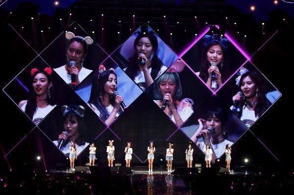 [DA:콘서트②] '예능 神 강림?' 트와이스 콘서트 이색 장면 셋