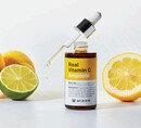 젊고 환해진 피부, 비결은 비타민 C 케어 솔루션