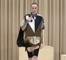 버버리는 왜 남성복 패션쇼에 여성 모델을 세웠을까