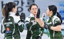 여자컬링 팀 킴, 2주 연속 우승 실패…4강서 캐나다 팀에 덜미