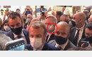 시민에 뺨 맞았던 마크롱 프랑스 대통령, 이번엔 '계란 봉변' (영상)