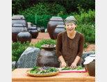 신재숙 신재숙식초마당 대표는 2003년 귀농한 뒤 농사를 지으며 발효식초를 만들기 시작해 2015년 본인의 브랜드를 설립, 사업가로 거듭났다. [김도균 기자]