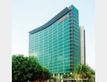 중국 광둥성 선전에 있는 화웨이 본사 건물. [위키피디아]