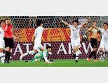 6월 11일(현지시각) U-20 월드컵 대한민국과 에콰도르의 4강전 종료 휘슬이 울리자 선수들이 환호하고 있다. 이날 한국 대표팀은 에콰도르를 1-0으로  꺾고 사상 첫 결승 진출을 확정했다. [뉴스1]