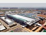 전자동으로 운영되는 중국 시안 삼성전자 반도체공장. [사진 제공 · 삼성전자]