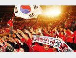 대한민국 국가대표팀을 항상 따라 다니며 응원하는 붉은악마는 평양에서 치르는 월드컵 예선경기는 들어가지 못할 것이 분명하다. [스포츠동아]