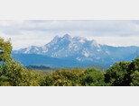 경기도 일산 고봉산에서 서울 북한산을 찍은 사진. 가까운 고봉산은 녹색으로, 멀리 있는 북한산은 파랗게 보인다. [사진 제공 · 장인용]
