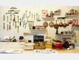 서울 마포구 '파스타 공작소'에  가면 볼 수 있는 다양한 파스타 도구. [사진 제공·김민경]