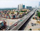 베트남 수도 하노이 도심 곳곳에 고층 아파트와 빌딩이 속속 들어서고 있다. [신화=뉴시스]