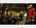 우주 쓰레기  청소선 탑승원들의 이야기를 그린 영화 '승리호'의 한 장면. [네이버영화 캡처]