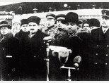 1949년 3월 당시 김일성(오른쪽에서 두 번째 중절모 쓴 인물) 북한 수상이 이오시프 스탈린 소련 서기장과 회담하고자 모스크바를 방문해 연설하고 있다. [동아DB]