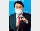 9월 8일 서울 여의도 국회에서 윤석열 전 검찰총장이 기자회견을 열고 '고발 사주 의혹'을 반박했다. [동아DB]