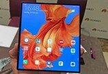 화웨이, 5G 폴더블폰 '메이트X' 15일 中 출격…삼성 갤폴드로 '맞불'