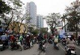 '테슬라 모델X' 자율주행, 베트남에서는 속수무책…무슨일?