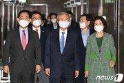 PK 민심, 文대통령 부정평가 전국 3위·민주당 지지율 전국 최하