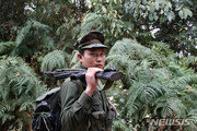 미얀마 반군, 정부군 헬기 1대 격추…항공기 격추 최초
