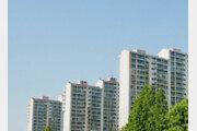 경찰 들이닥치자 아파트 베란다 매달린 40대, 18층서 추락 사망