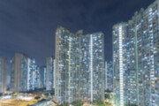 한밤중 아파트 18층서 아홉 살배기 추락 사고…경찰 조사중
