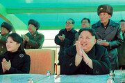 김정은, 한달새 9번째 軍시찰… 이설주 동행