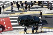 막무가내 우회전… 위험천만 '교통섬'