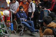 """""""조슈아 웡, 홍콩에서는 일개 시위자일 뿐"""""""