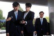 """현직검사 """"檢개혁 부르짖는 조국, 유승준 같아…적임자 아냐"""""""