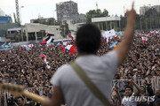 """수그러들지 않는 칠레 국민들의 분노…""""공짜 아니라 평등을"""""""