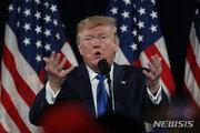 """트럼프, 첫 탄핵조사 공개청문회에 """"속임수"""" 트윗 공세"""