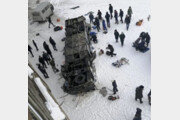 러시아 시베리아서 버스, 얼어붙은 강으로 추락…19명 사망·20명 부상