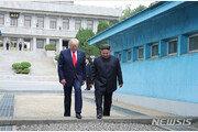 """러시아, 트럼프-김정은 전승행사 초청…""""답 못 받아"""""""