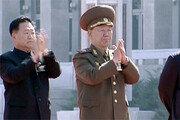 북한 2인자 황병서의 비참한 말로[주성하 기자의 서울과 평양 사이]