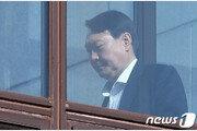 """文 """"개혁 앞장서라"""" 주문에…'檢개혁추진단' 발맞추는 윤석열"""
