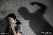 [THE 사건/단독]울음 그치지 않는다고…돌도 되지 않은 자녀 2명 숨지게 한 부모