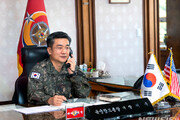 """美 육군참모총장, 코로나19 비결 물어… """"전 세계 미군과 공유"""""""