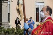 전세계 코로나19 사망 10만명 넘어…중국서 첫 보고 101일째