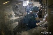 """스페인 간호사 74% """"마스크 없이 일했다""""…3분의2 '유증상'"""